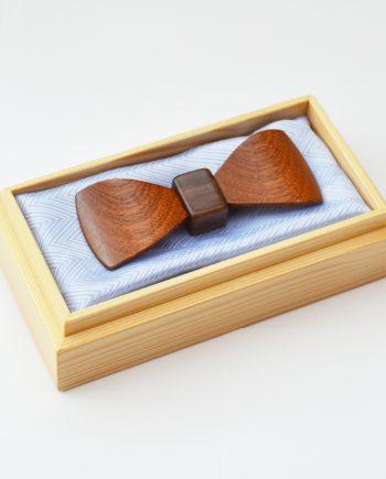 Drevený motýlik tvarovaný special - mahagón malý