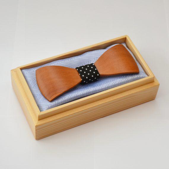 Drevený motýlik tvarovaný special - hruška