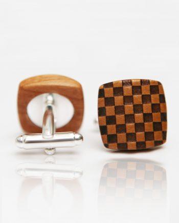 Drevené manžetové gombíky balance - hruška šachovnica
