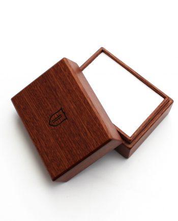 Drevená mahagónová krabička