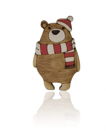 Drevená maľovaná brošňa - Medveď s červeným šálom