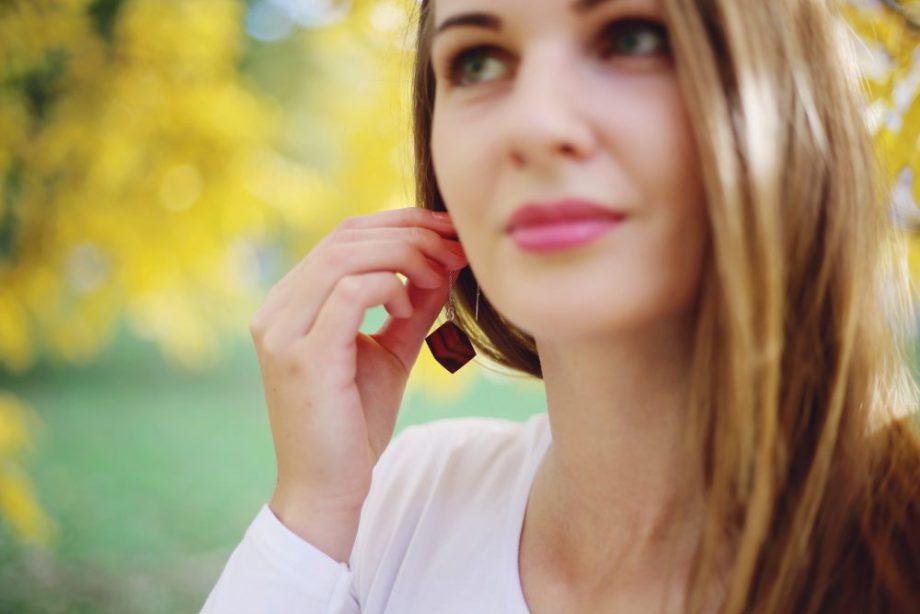 Drevené náušnice - Slivka