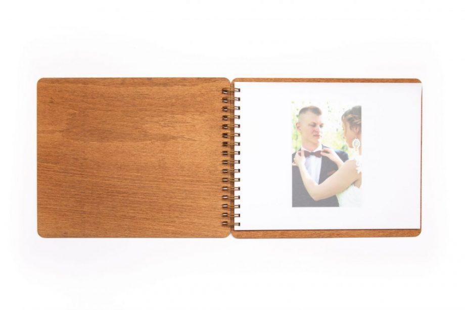 Drevený fotoalbum s pružinou - Heart