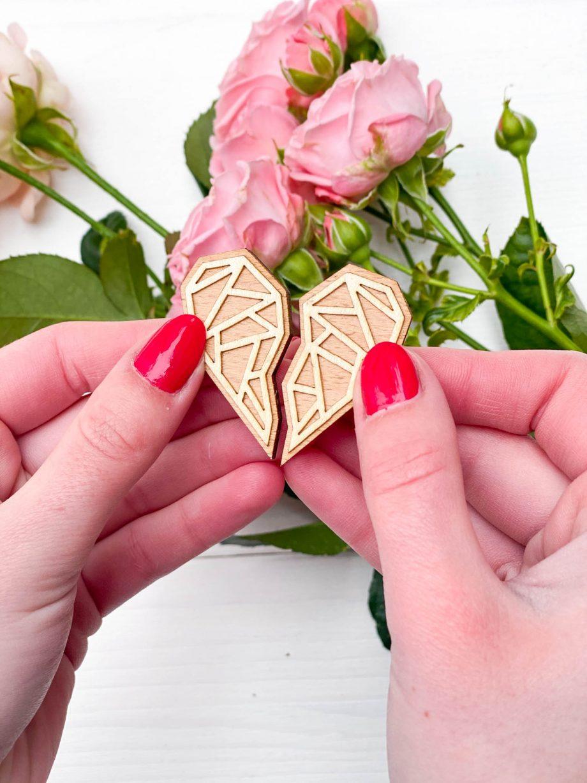Drevená brošňa - Srdce
